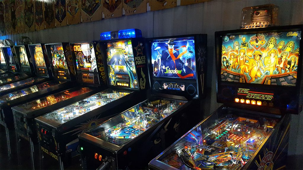 titletown-pinball-overhead-game-row